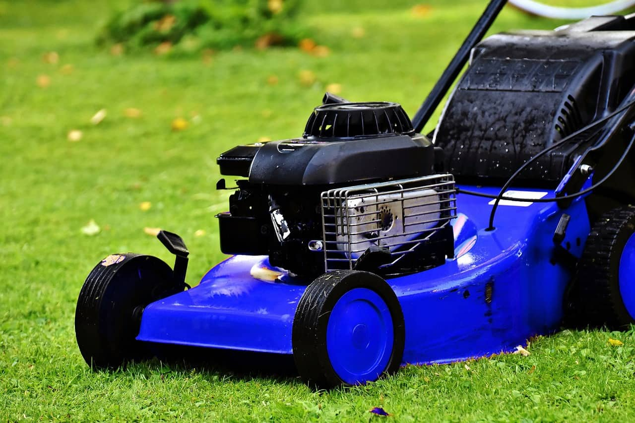 Lawn Mowers - The Importance of Cleaning and Maintaining 1